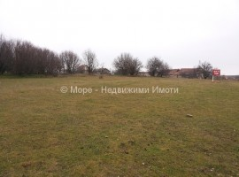 село Стефан Караджово, дворно място - 5 500 евро